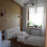 Sypialnia, pikowane łóżko