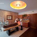 Gabinety koło sufit podświetlony